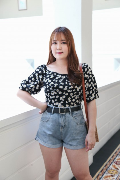 Korea Flower Elastic Back Short Sleeve Top (Black)