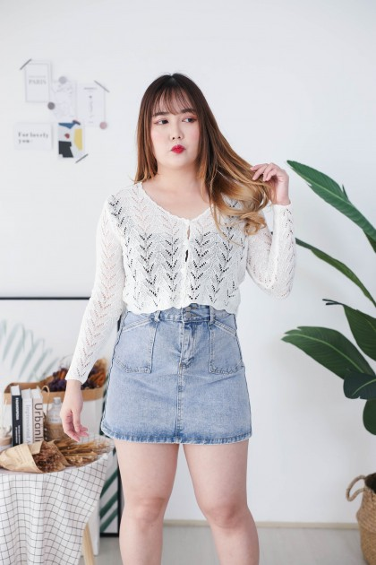 Korea V Neck Triangle Button Front Long Sleeve Knit Top (White)
