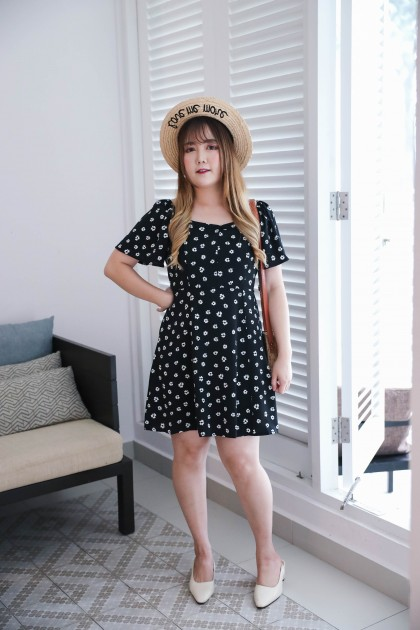 Korea Flower Square Neck Elastic Shoulder Short Sleeve Dress (Black)